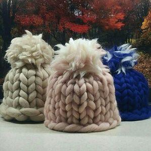 Toboggans/Winter hats and scarf set